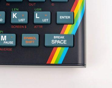 1980 के ब्रिटिश कंप्यूटर का अद्यतन संस्करण बनाने के लिए 2 दिनों में Kickstarter पर £ 900,000 कमाए