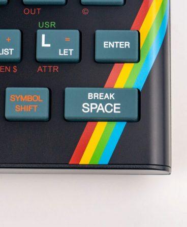 Se recaudaron 900,000£ en Kickstarter en 2 días para crear una versión actualizada de una computadora británica de la década de los 80s